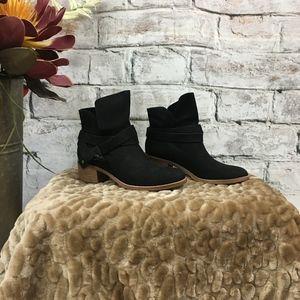 5912 UGG  UGG Chaussures   cbf3f50 - christopherbooneavalere.website